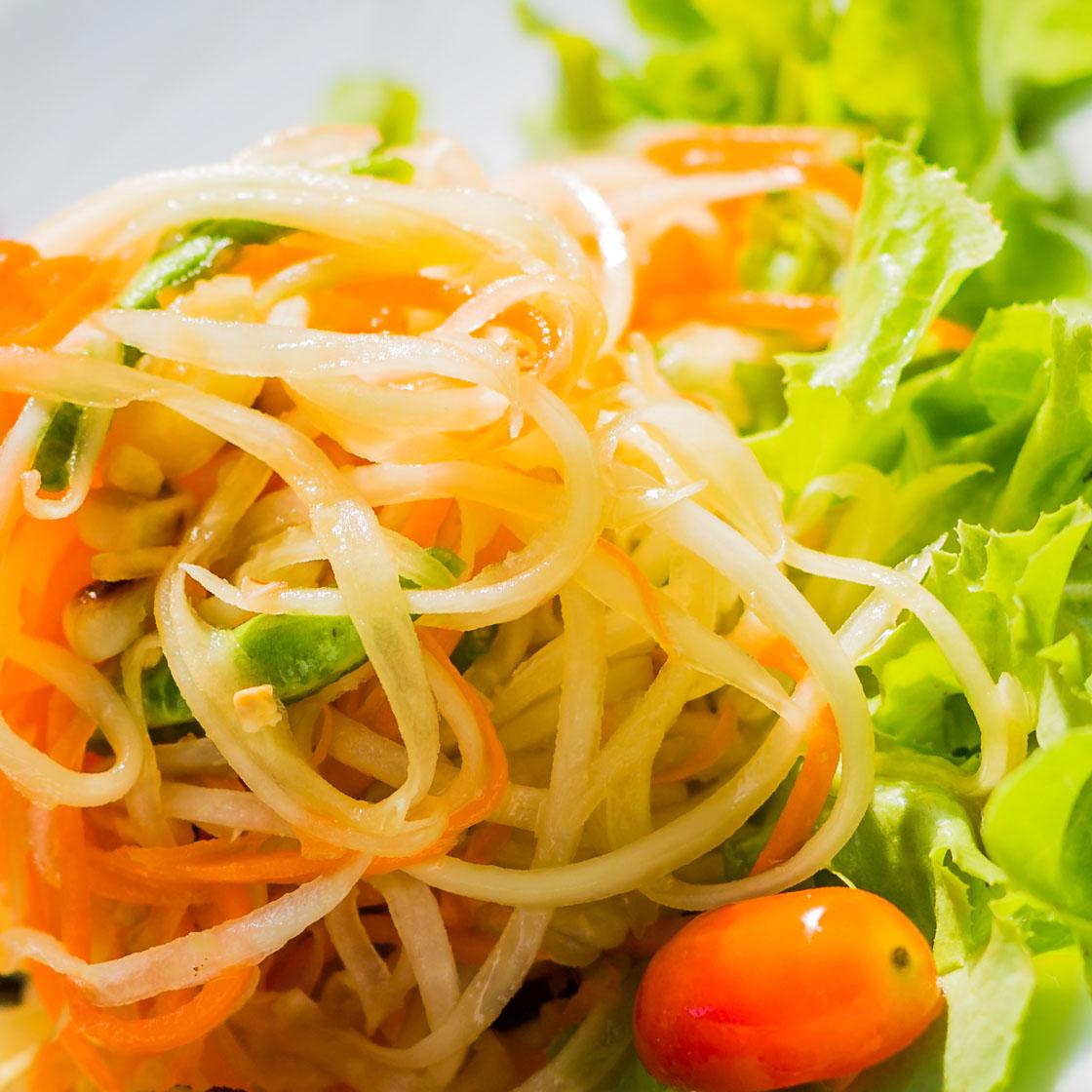 Som tum: insalata di papaya tailandese