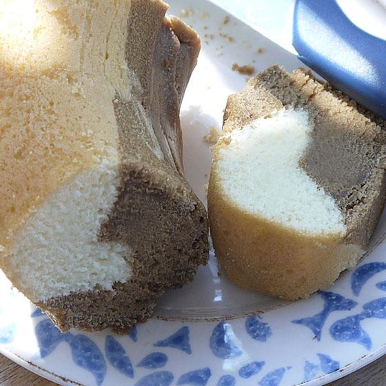 Ciambella variegata al caffè